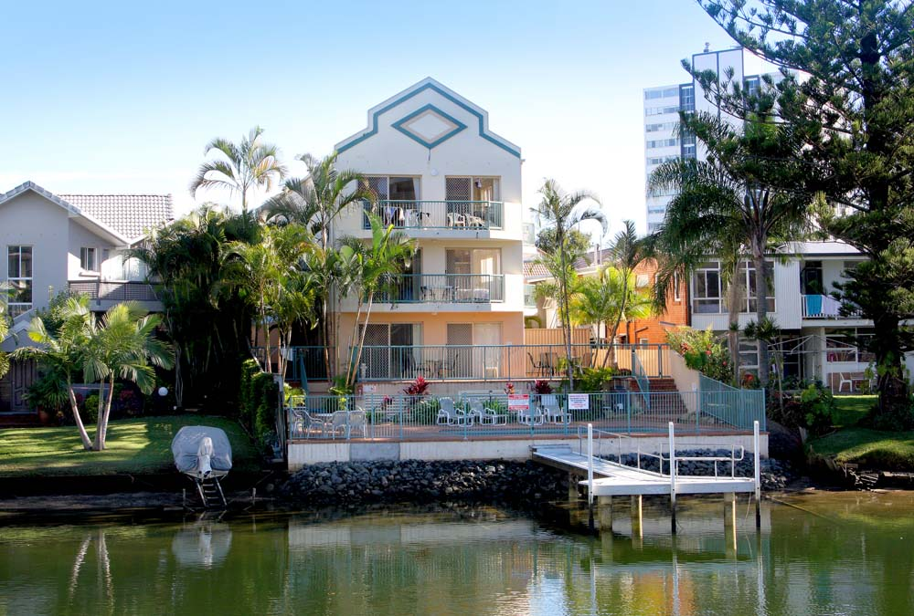 Surfers Riverside Apartments