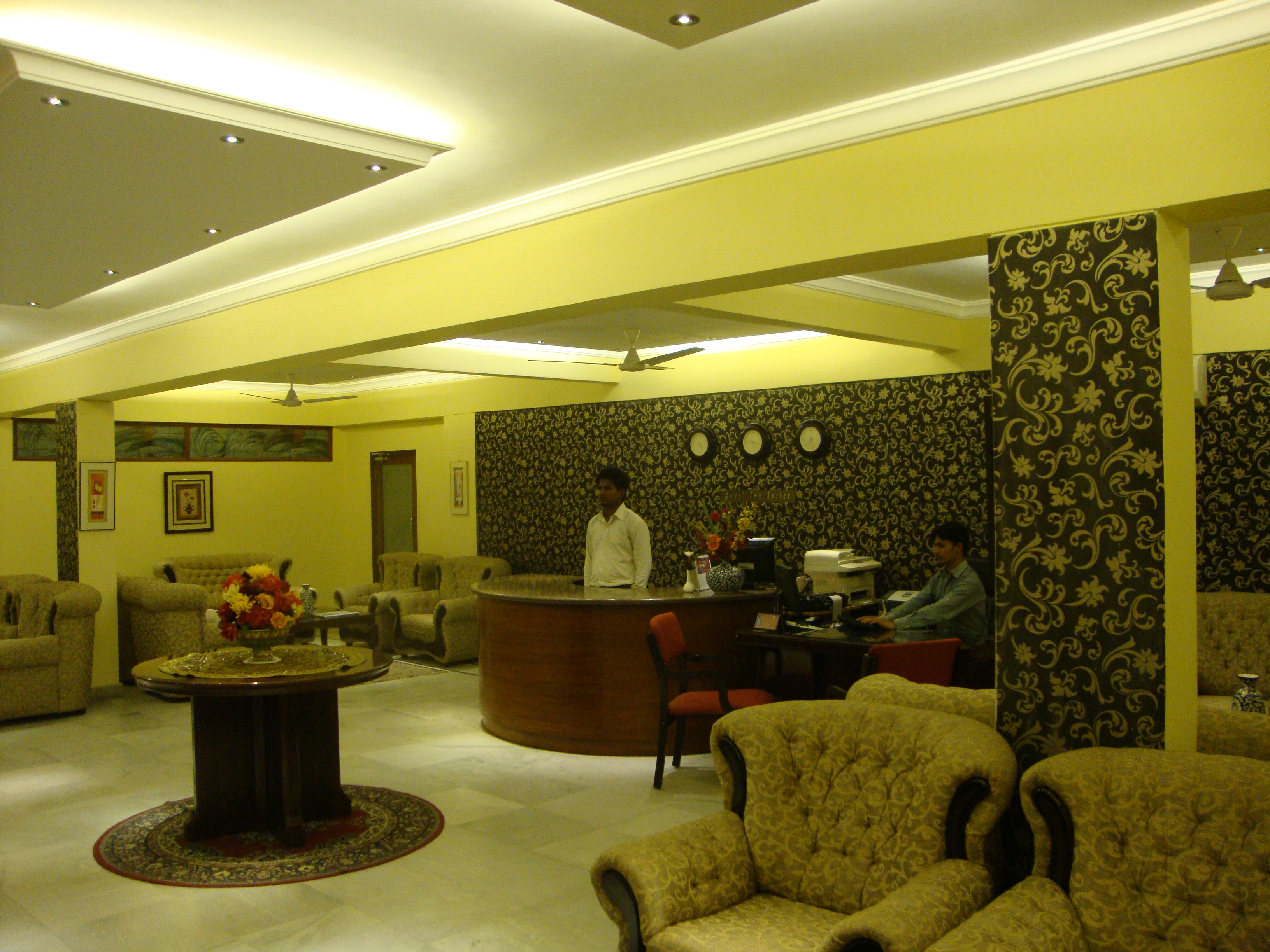 Guest Inn Suites & OYO Rooms