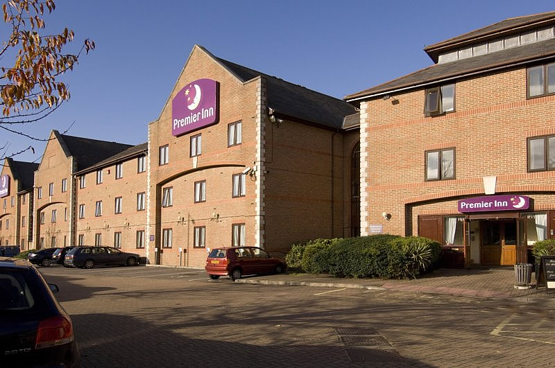 Premier Inn Guildford North (A3)