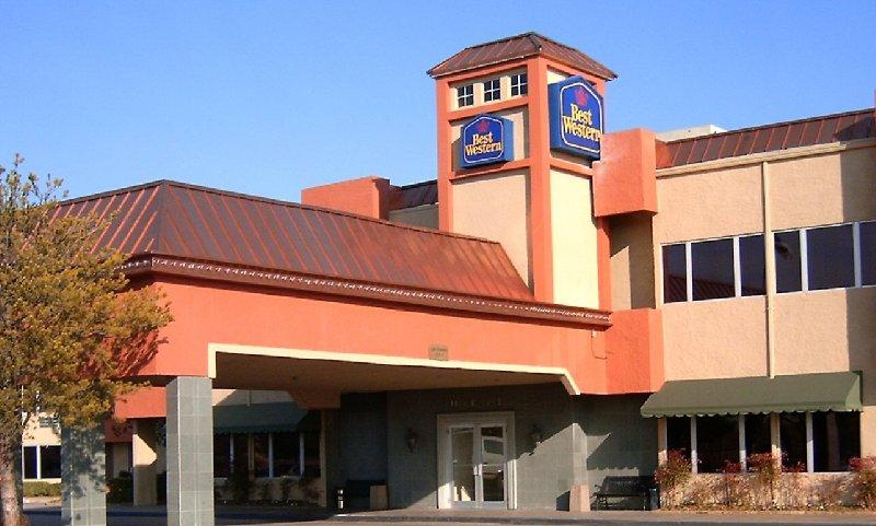 ‪BEST WESTERN PLUS Lawton Hotel & Convention Center‬