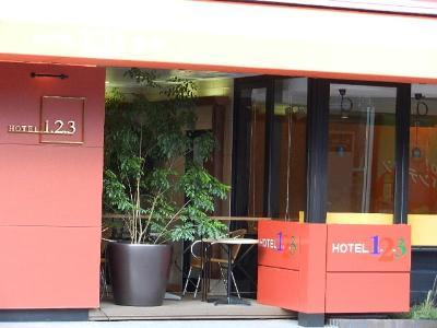 Hotel 123  Kobe