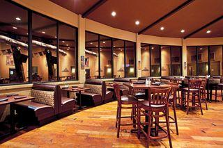 Round House Bar & Grill