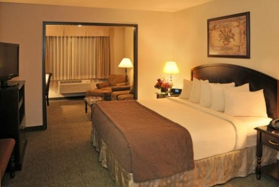 Oxford Suites Downtown Spokane