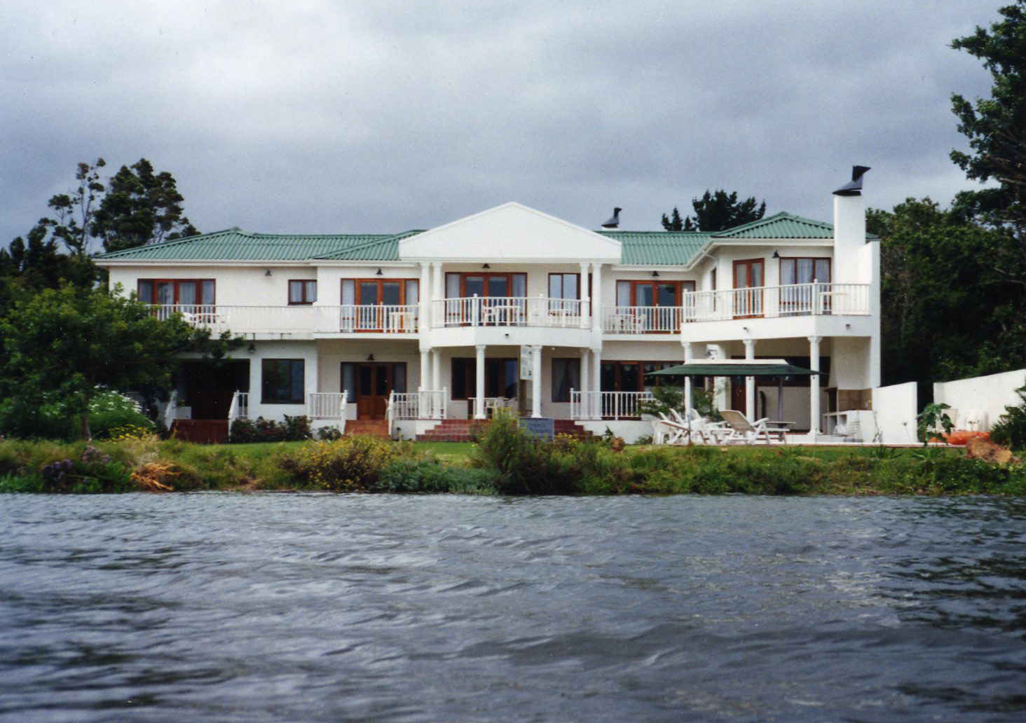 Waterfront Lodge