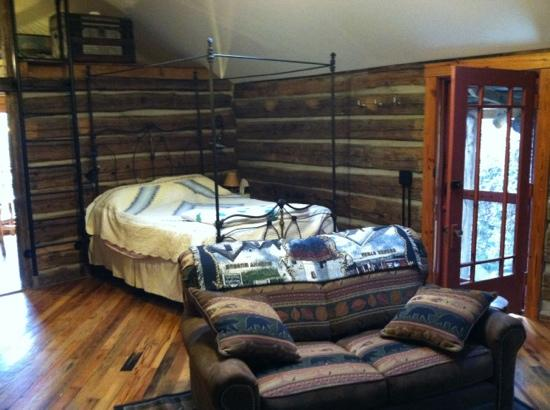 Three Bear Holler Cabin Rentals