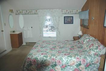 Walloon Lake Inn Bed and Breakfast