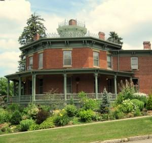 ‪Lawther Octagon House Bed and Breakfast‬