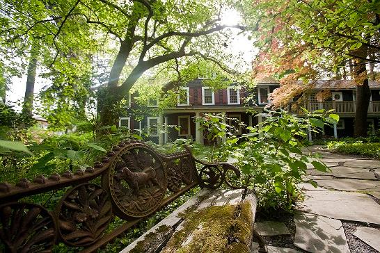 ‪Buttermilk Falls Inn & Spa‬