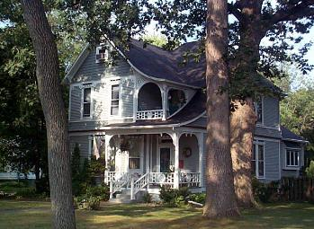 Queen Anne's On 7th Street Bed and Breakfast