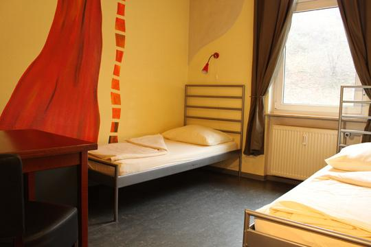 Alex 30 Hostel