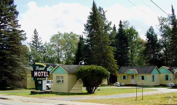 Faust Motel and Cottages