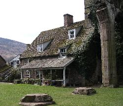 ‪Llanthony Priory  Hotel‬