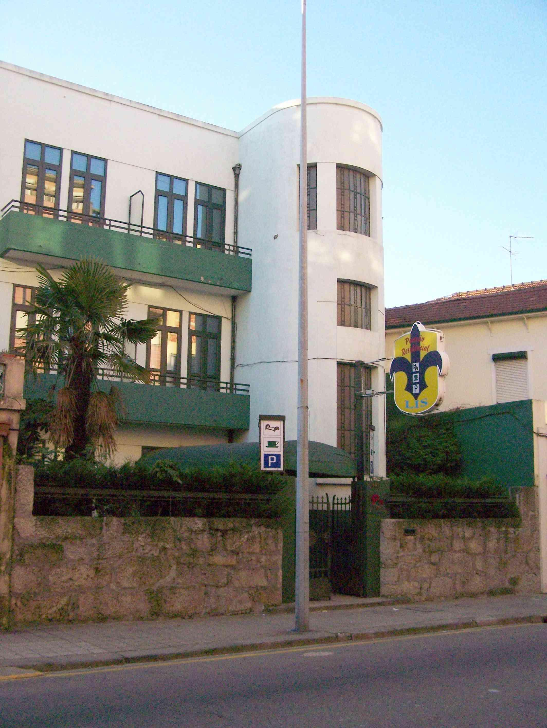 Residencia LIS B&B and Parking