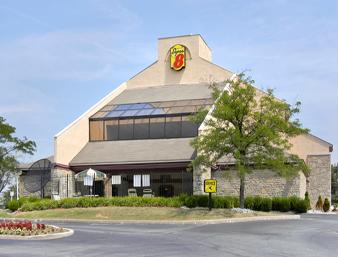 ‪Super 8 Fort Mitchell‬