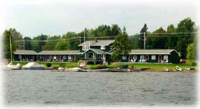 Town & Lake Motel