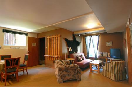 Bear's Den Guesthouse