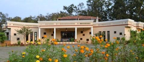 ‪Kanha Meadows Retreat - A Resort at Kanha National Park‬