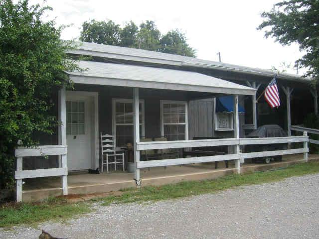 Carter's Motel Bar and Grill