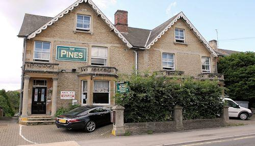 Pines Hotel - Chippenham
