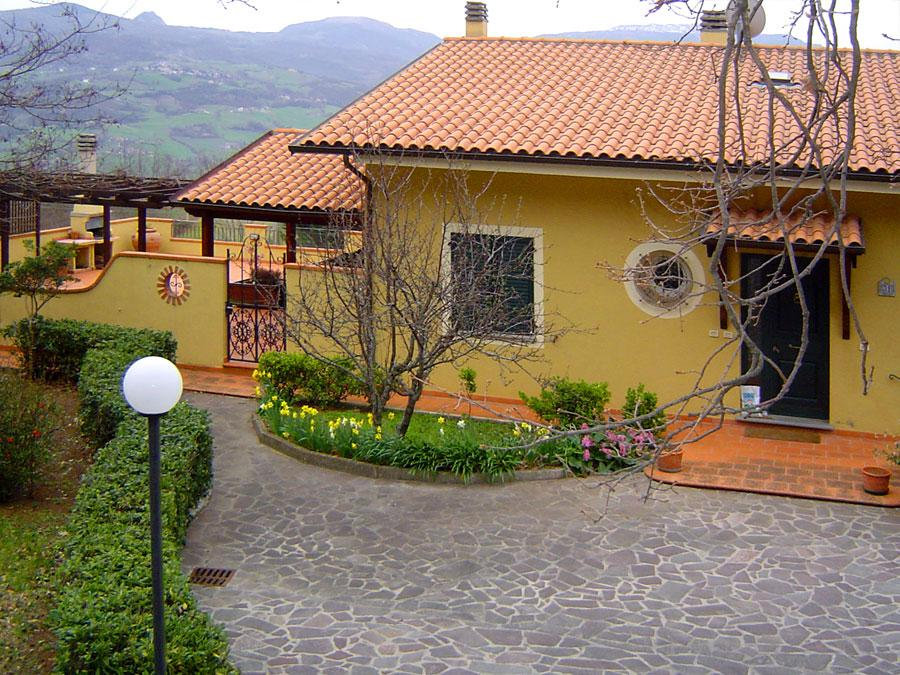 ‪Bed & Breakfast La Valle Talamello‬