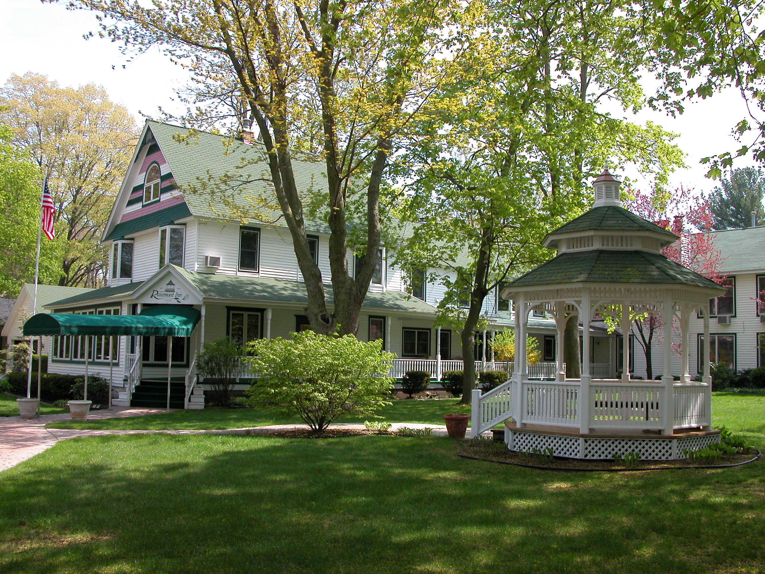 Rosemont Inn Resort B&B