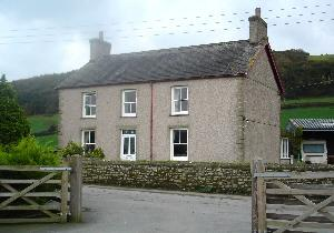 Cwmwythig Farmhouse Bed & Breakfast