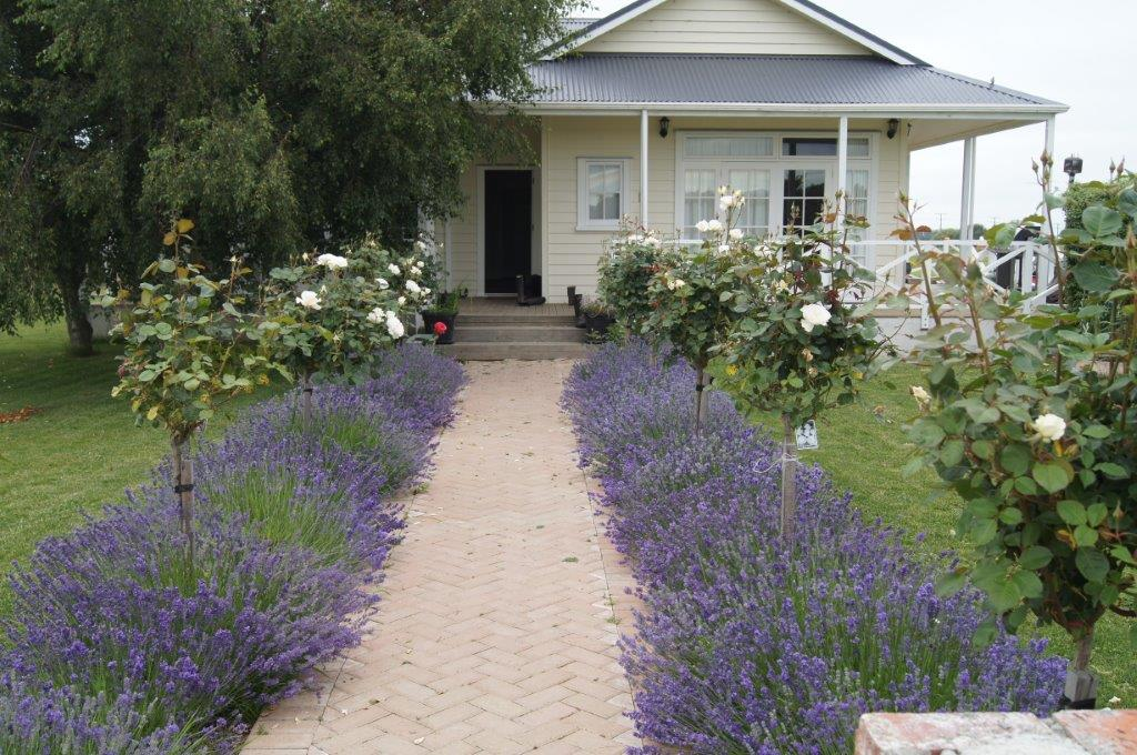 Oliver's Farm Stay Bed & Breakfast