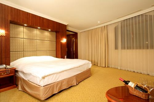 Interpark Tourist Hotel