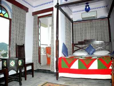 Jheel Guest House