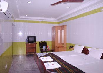 Hotel Senthil Andavar A/C
