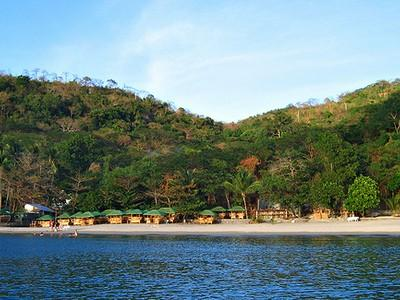 Munting Buhangin Beach Camp