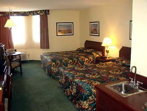 ‪Continental Inn and Suites‬