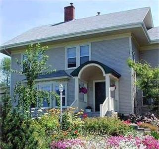 Harwood House Bed & Breakfast