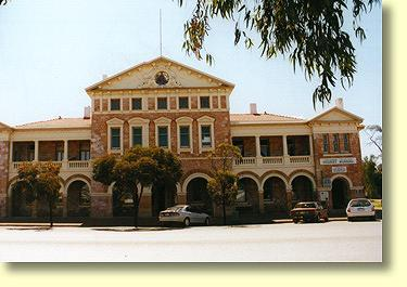 Coolgardie Tourist Village