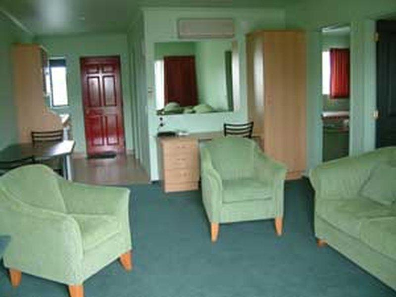 Mackenzie Units Motel