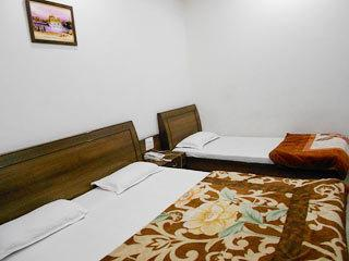 Hotel Sakhi Inn