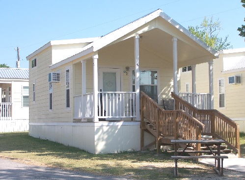 ‪Hill Country Cottage and RV Resort‬