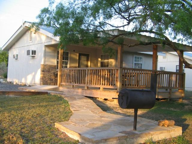 4J River Way Cabins and RV Camp