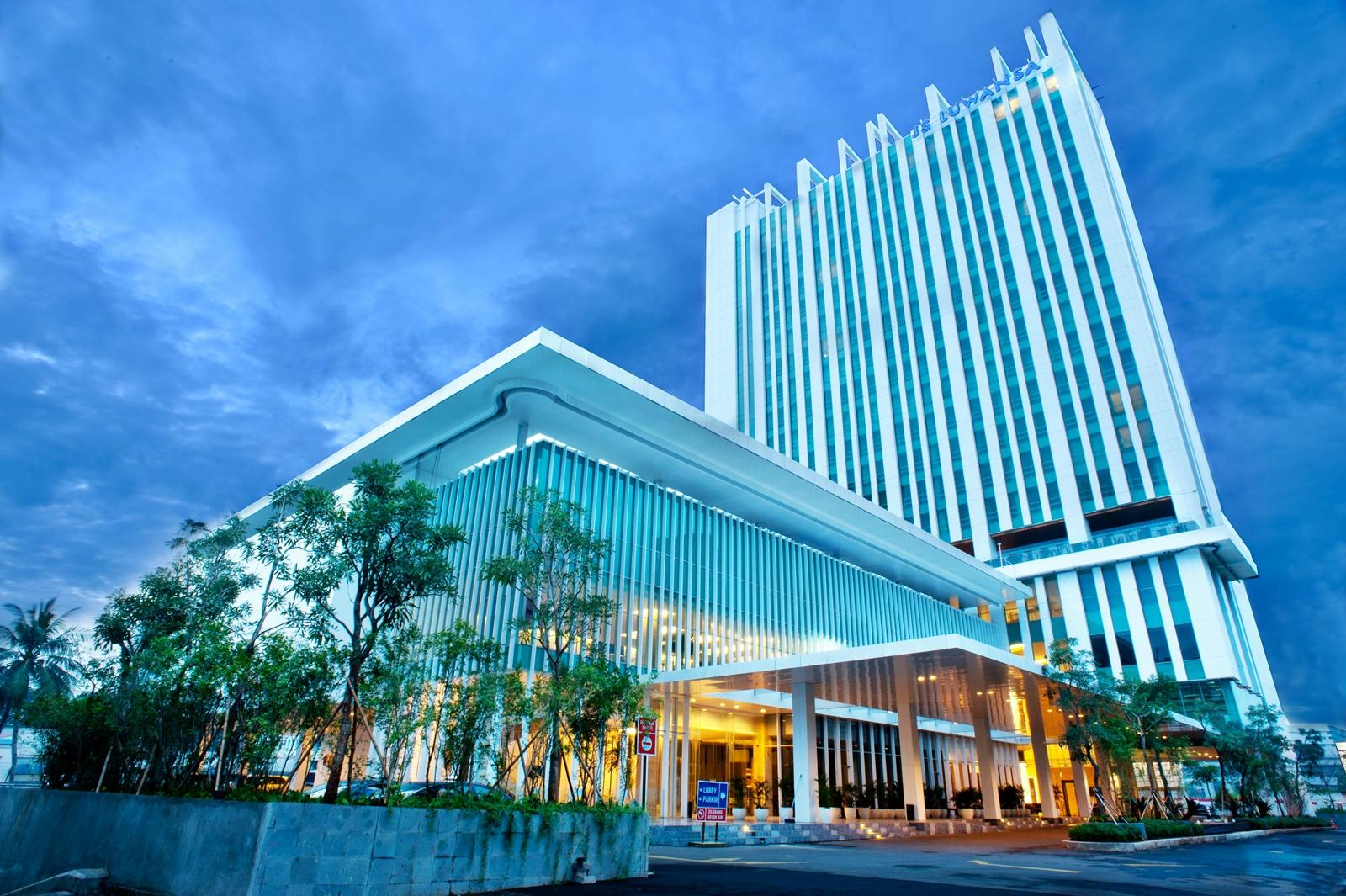 JS Luwansa Hotel and Convention Center