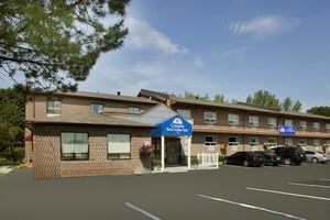 Canadas Best Value Inn Richmond Hill