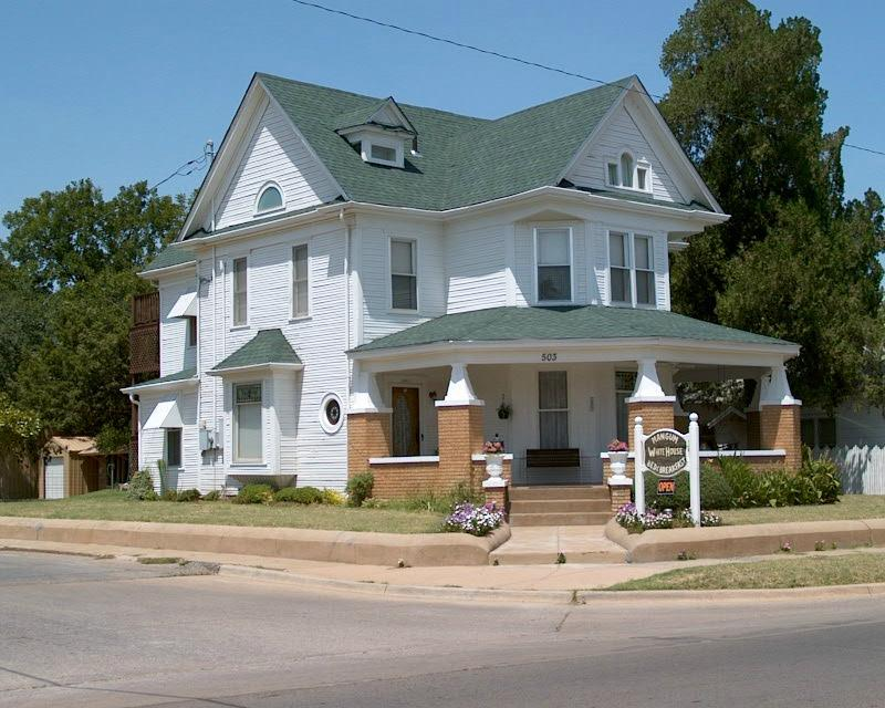 Mangum Whitehouse Bed & Breakfast