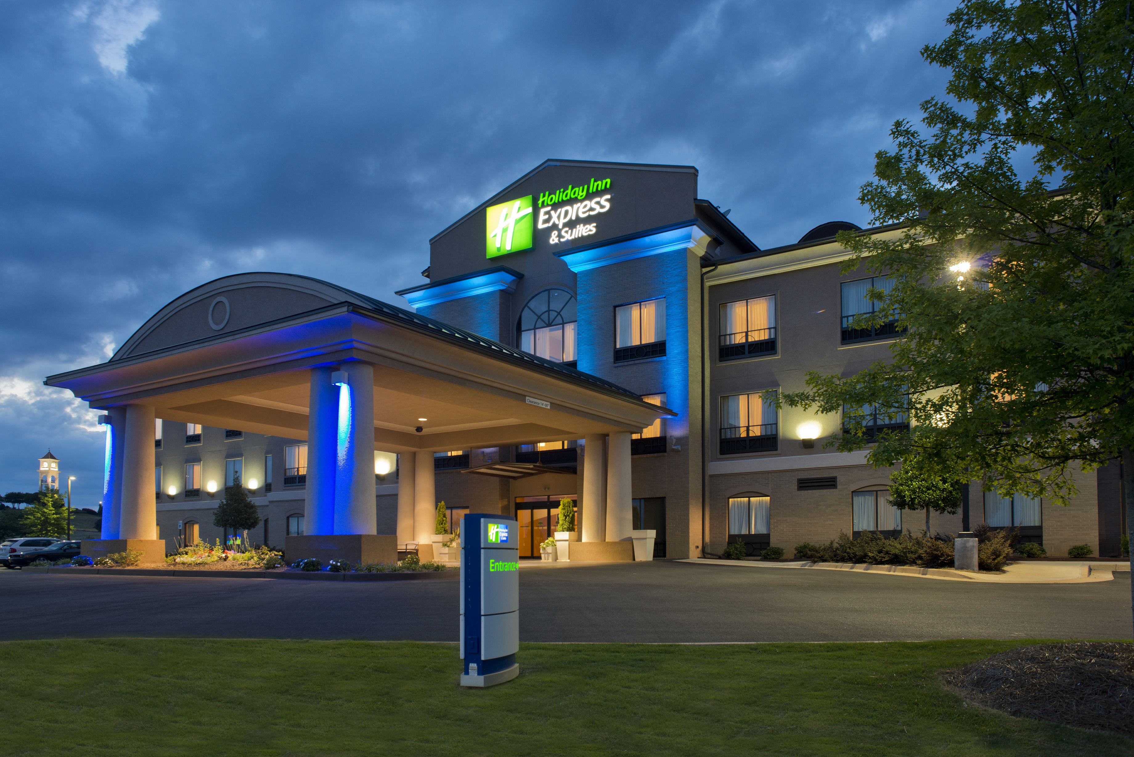 Holiday Inn Express Hotel & Suites Prattville South