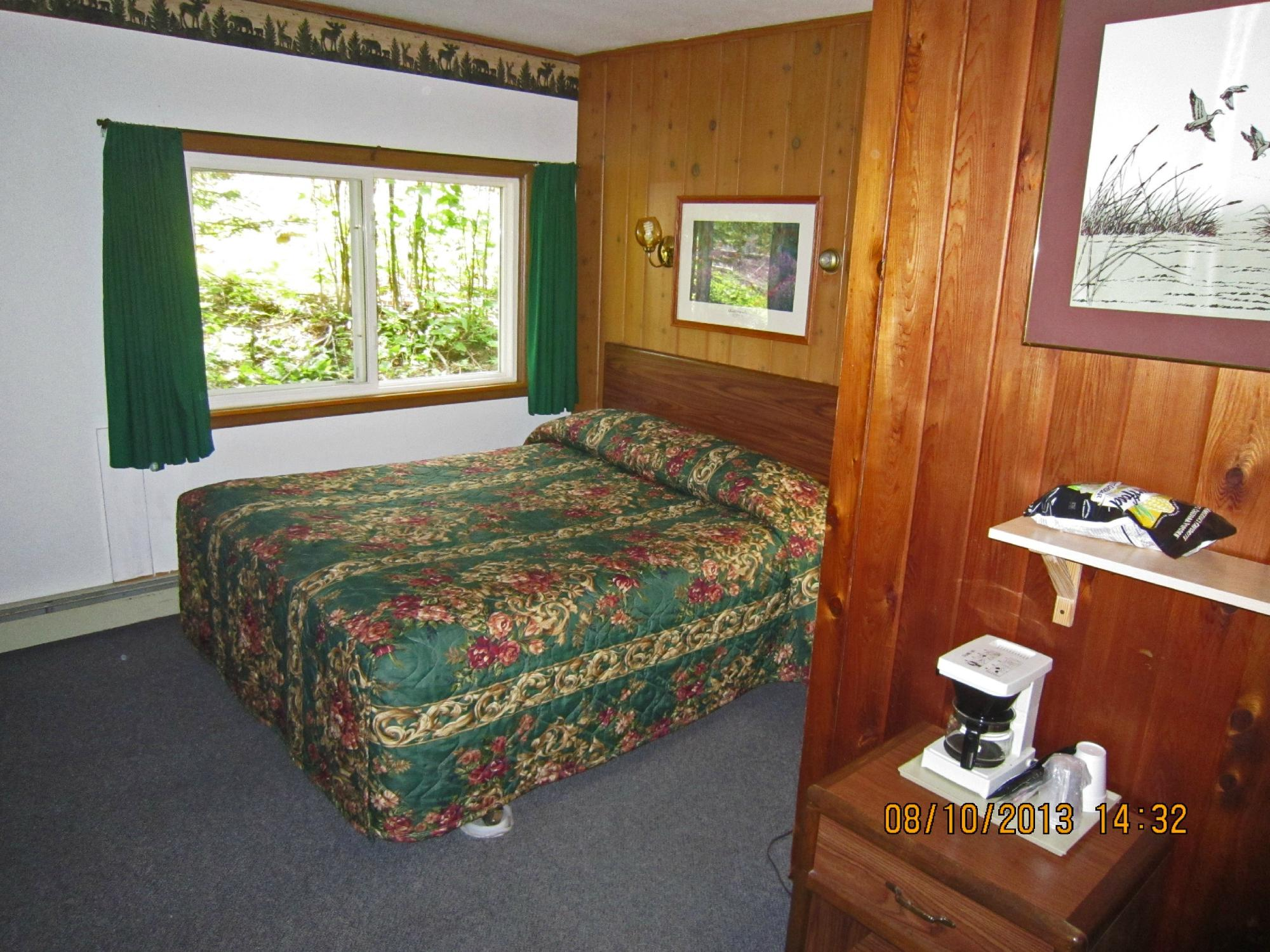 Whispering Pines Motel