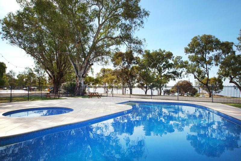 Discovery Holiday Parks Lake Bonney