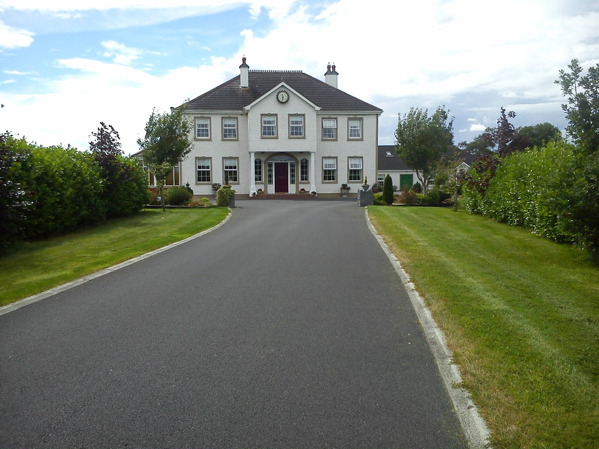 Grennan's Country House