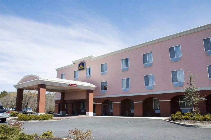 ‪BEST WESTERN Dartmouth Inn‬