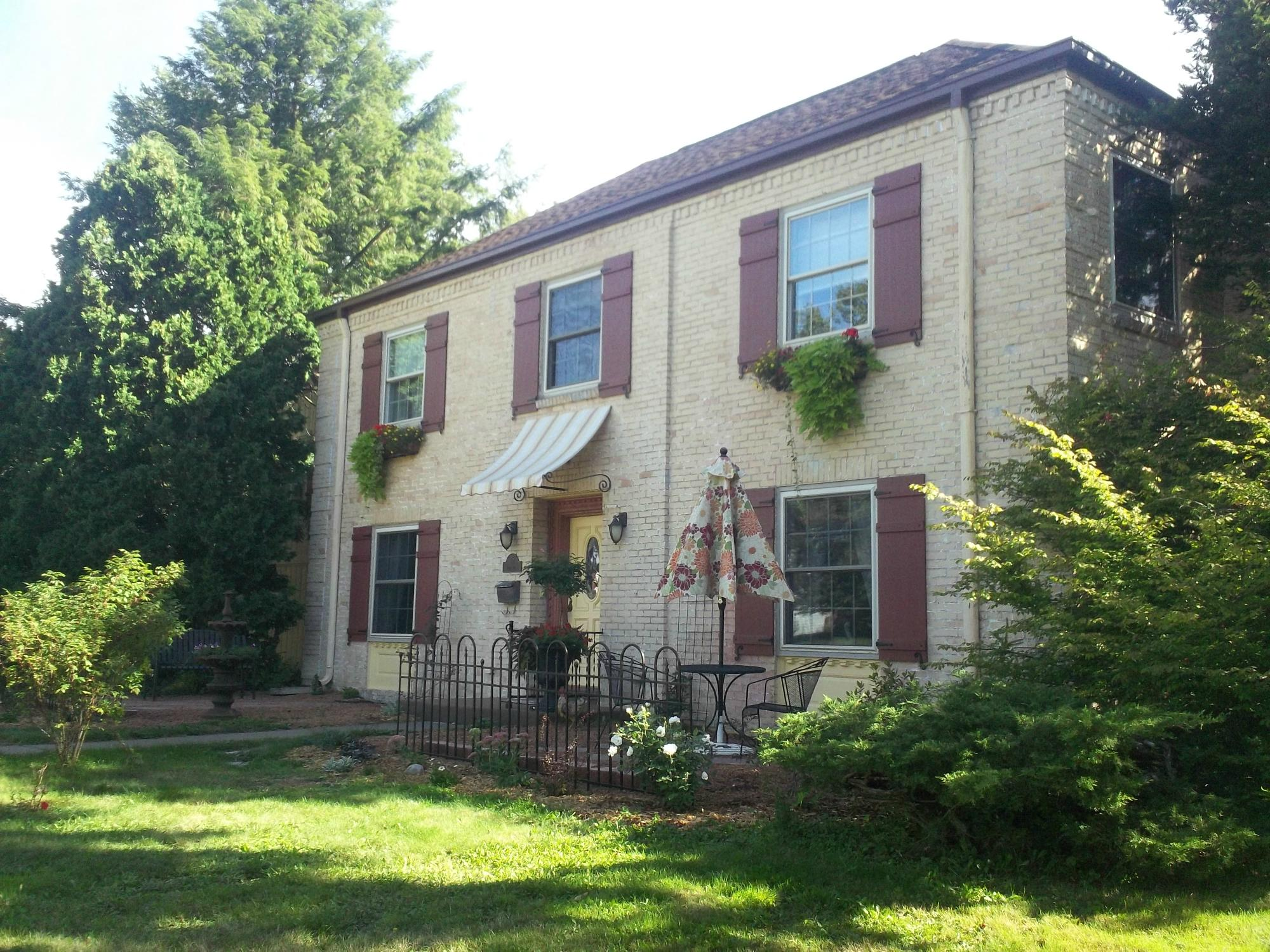 Munro Manor Bed and Breakfast