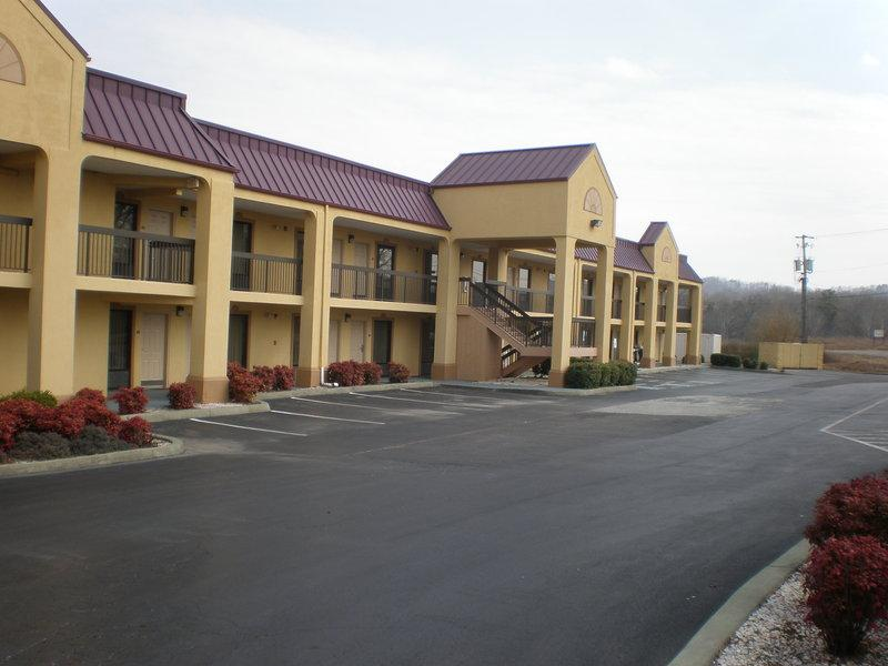 ‪Red Roof Inn & Suites Clinton‬