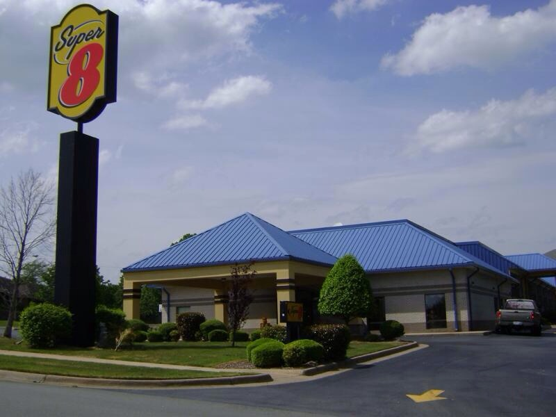 ‪Super 8 North Little Rock/McCain‬