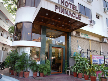 ‪Pinnacle Hotel‬